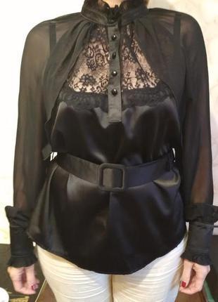 Нарядная блузка с кружевом