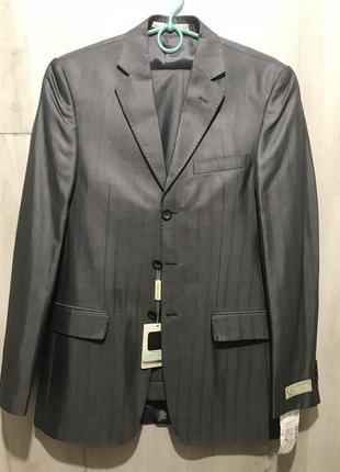 Мужской классический костюм uomo ramon castelli серый в полоск...