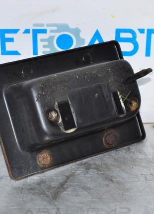 Клык усилителя заднего бампера прав Hyundai Sonata 11-15