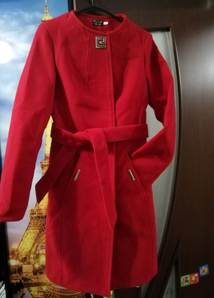 Женское пальто демисезон.