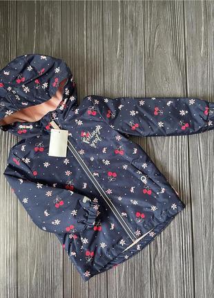 Курточка-дождевик для девочки c&a