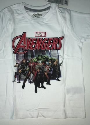Очень крутой набор из футболки и шорт / костюм / пижама marvel