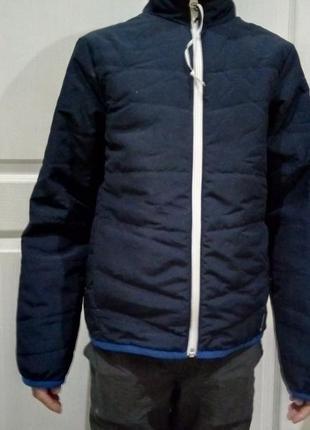 Продам куртку ветровку на мальчика 130-140 10лет