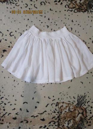 Короткая белая юбка на резинке/пляжная