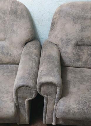 Продам кресла 2 шт.. производство Румыния