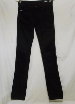 Новые джинсы черные прямые стрейч w26 l34 *diesel* liv 008ie