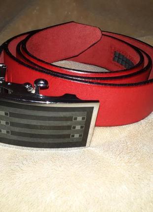 Красный мужской кожаный ремень-автомат