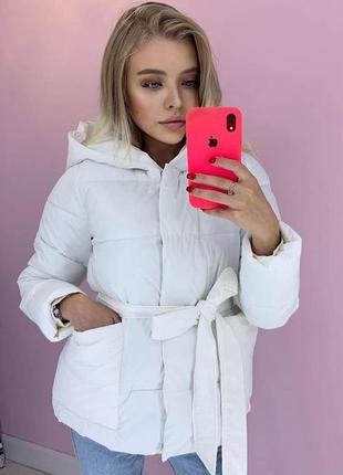 Демисезонная куртка с поясом