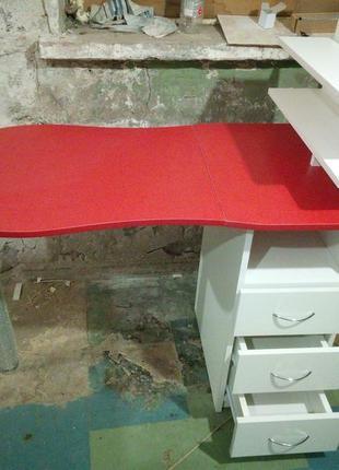 Маникюрный стол для маникюра