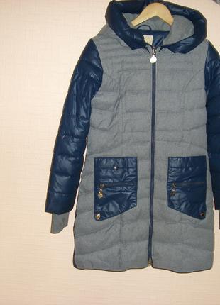 Пальто зимнее для девочки 10 _ 14 лет Длинна по спинке 86 см.