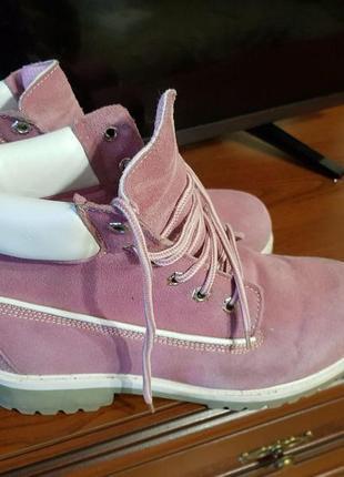 Натуральные замшевые ботинки тимберленды