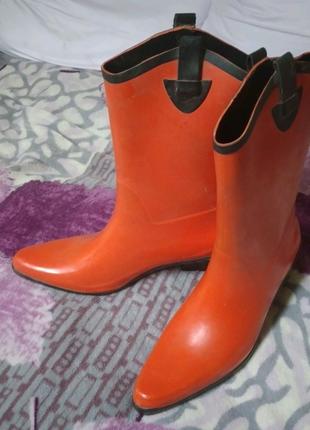 Резинові чоботи червоні