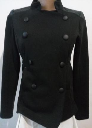 Стильный пиджак/разм.-42/44,замеры