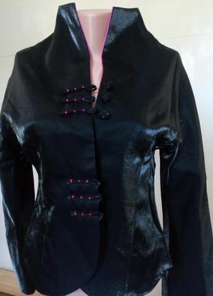 Элегантный пиджачек/кофта z.silvano