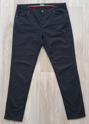 Штаны BENETTON легкие, черного цвета. Брюки коттоновые. Джинсы ун