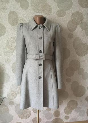 Элегантное шерстяное   пальто маленького размера