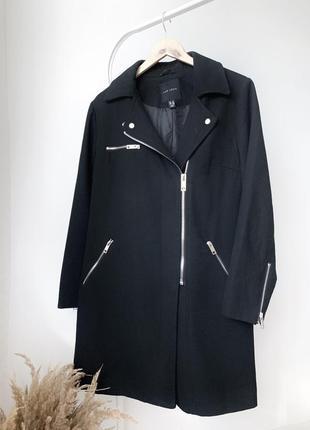 Чорне  пальто new look