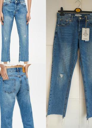 Стильные джинсы pull&bear с потёртостями  и необработанным низом