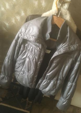 Курточка серая весенняя