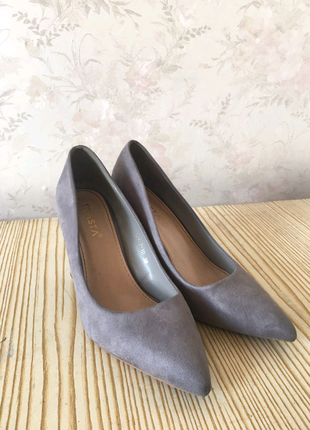 Новые замшевые туфельки