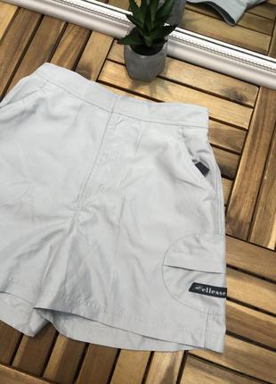 Ellesse новые тканевые женские шорты бермуды