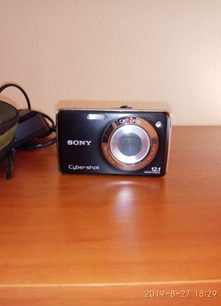 Фотокамера  Sony Cyber-shot 12. 1 Mega Pixels DSC-W210