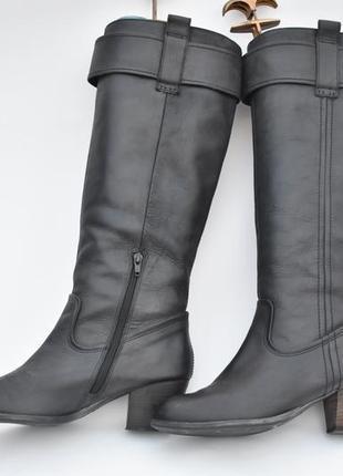 Женские сапоги на утеплителе на осень  черные кожаные размер 40