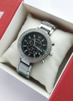Наручные часы женские в серебре с черным циферблатом