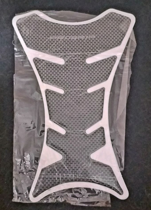 Защитная наклейка на бак мотоцикла