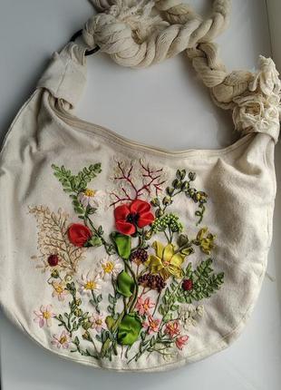 Супер стильная сумка с вышивкой лентами и бисером!!