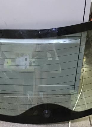 Стекло заднее двери багажника Nissan Leaf 2011-2017   90300-3NA0A
