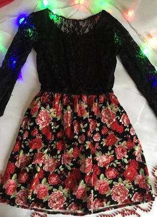 Пышное платье с цветочным принтом и сеткой, кружевом😍