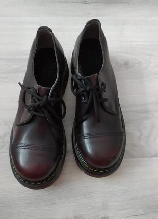 Ботинки кожаные, берцы стальной носок, стилы