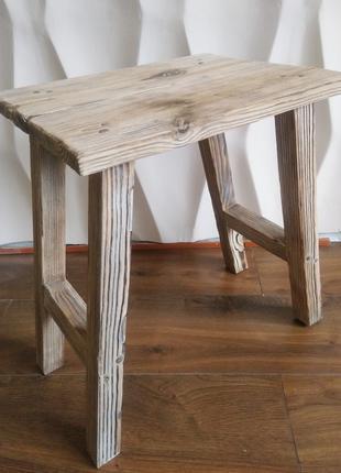 Деревянный стул деревенский стиль