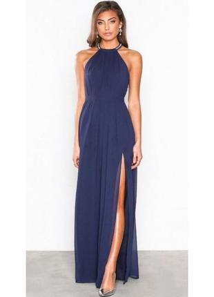 Синее платье с камушками в пол