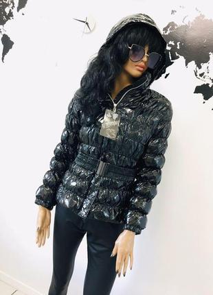 Лаковая куртка пуховик с эффектом винила новая с поясом от win...