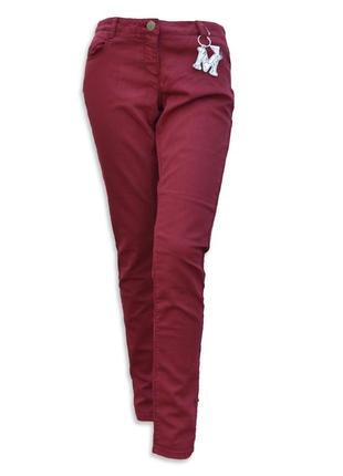 Модные бордовые джинсы с брелком skinny fit jbc
