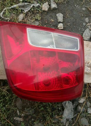 Задний стоп (фонарь) прав. на Chevrolet Lacetti седан
