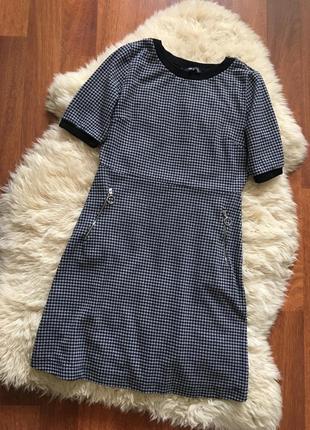 Трендовое короткое платье