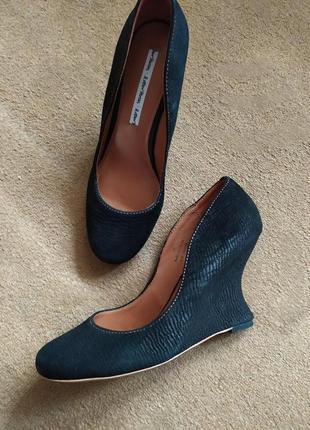 Шикарні туфлі & Other Stories