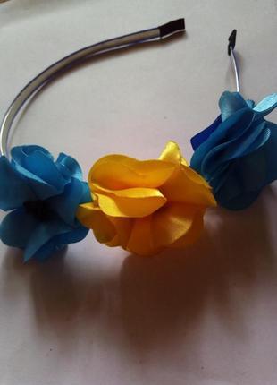 Обруч с цветами в национальном стиле