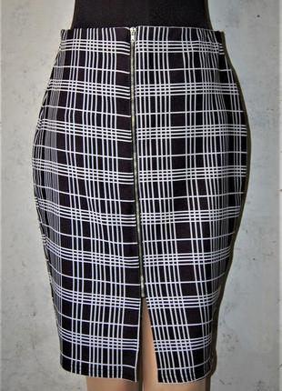 Силуэтная юбка карандаш, монохром, клетка, чёрно-белый, на мол...
