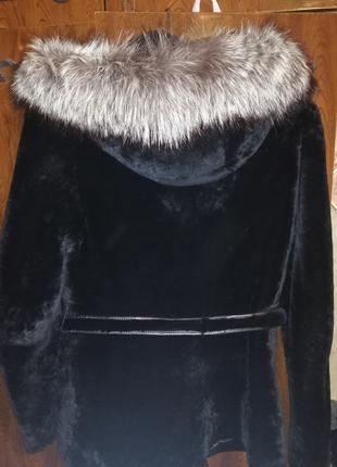 Мутоновая шуба с чернобуркой +капюшон
