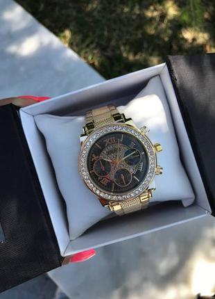 Часы женские золотистые, черный циферблат
