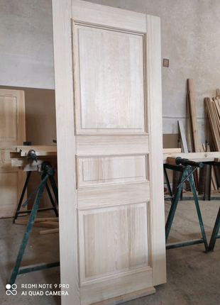 Двери ( сосновые) новые