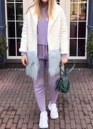 Демисезонное пальто , белое пальто , мех лама
