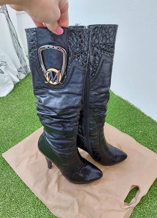 Сапоги высокие кожаные на каблуке