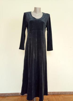 Теплое уютное велюровое платье