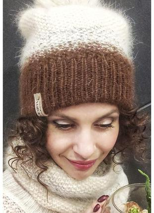 Очень красивый комплект - шапка и снуд из пуха норка с помпоно...
