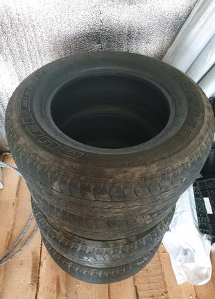 Продам літню гуму, Bridgestone R17